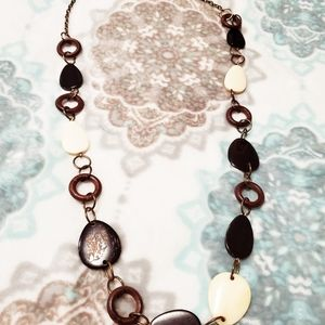 New York and Company bronze and wood necklace